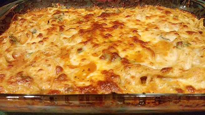 baked spaghetti recipe in glass baking dish
